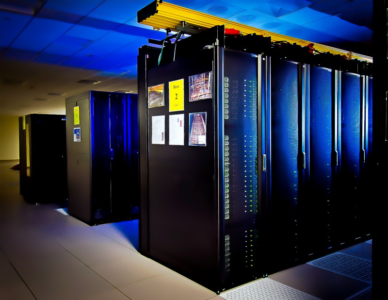 an essay on modern mainframe computers Introduction to computer technology, network industries touch almost all aspects of the modern and about one-fourth the price of mainframe computers.