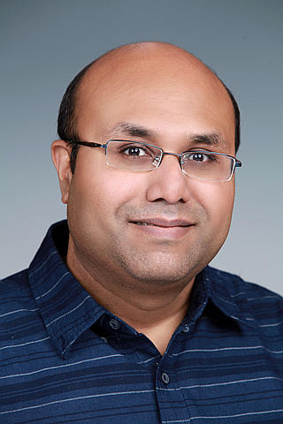 Dr. Manish Shrivastava