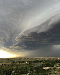 shelf cloud looms over Kansas, ready to dump rain on the Plain