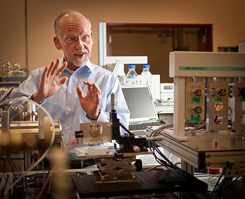 Dick Smith in PNNL proteomics lab