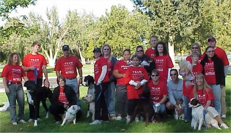 PNNL Staff and their dogs on the walk